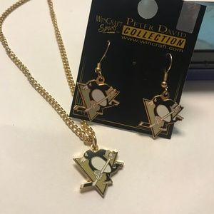 Pittsburgh Penguins earring and necklace Set. NEW